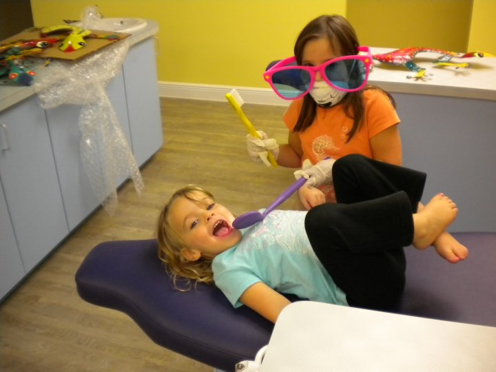 Young helpers - Roseff Pediatric Dentistry